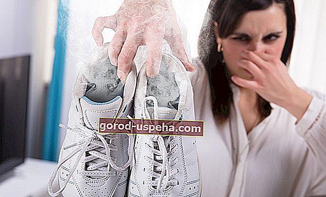 Eliminați mirosurile rele din pantofi